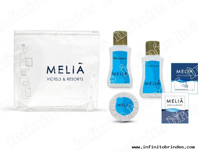 kit Amenities - Shampoo, Condicionador, Sabonete Plissado, Sache álcool, Necessaire - Modelo INF 236K