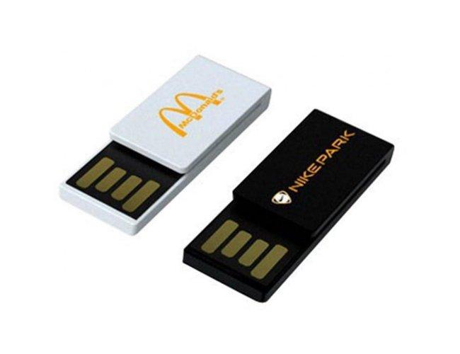 Pen drive de Plástico - Formato CLIP Modelo INF B3010